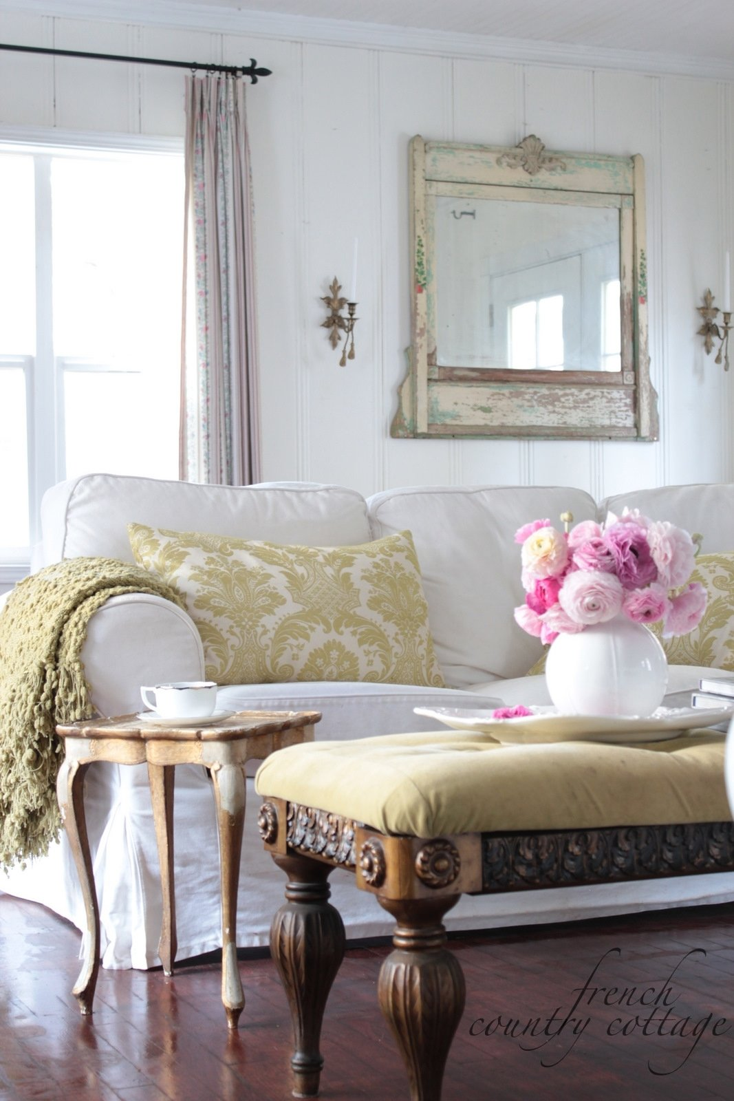 10 Pretty French Country Cottage Decorating Ideas cozy ideas french country cottage decor home designing 2020