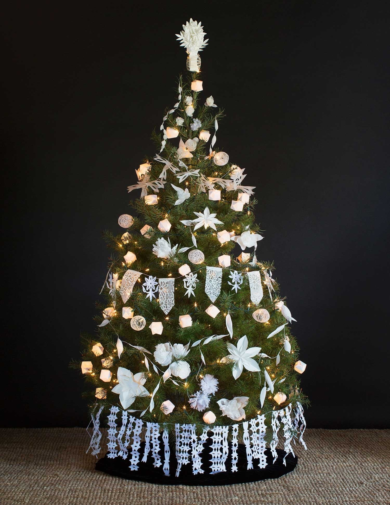 creative christmas tree decorations | reader's digest