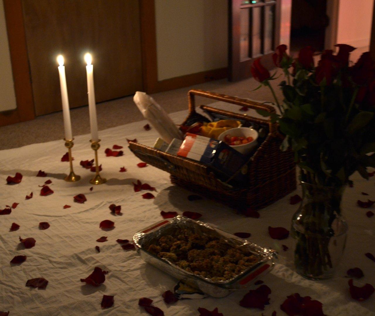 10 Fabulous Romantic Date Ideas At Home creative romantic bedroom date 35 remodel home decor arrangement