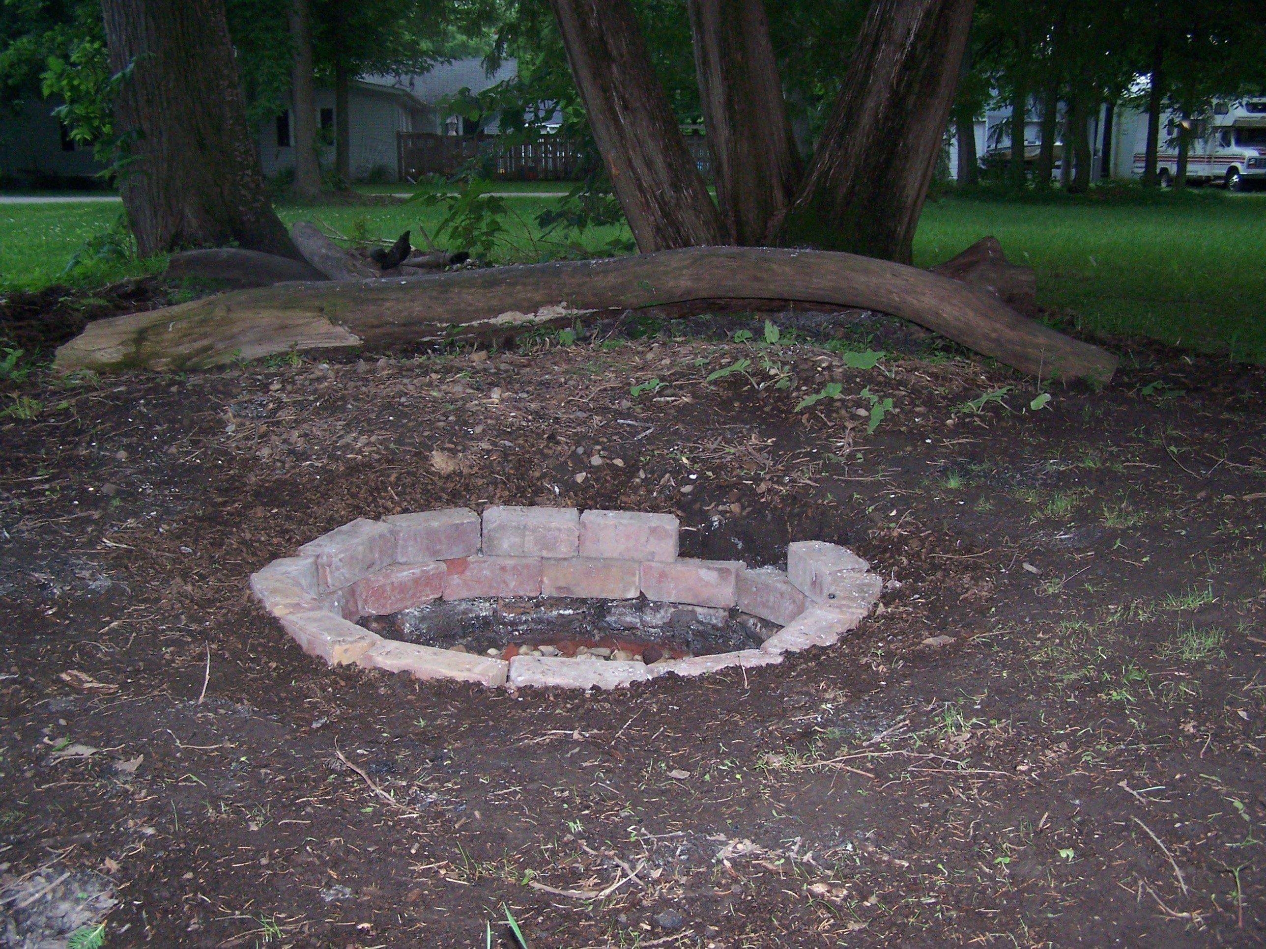 10 Great Outdoor Fire Pit Ideas Backyard creative small patio fire pit ideas outdoor backyard and image ideas 2020
