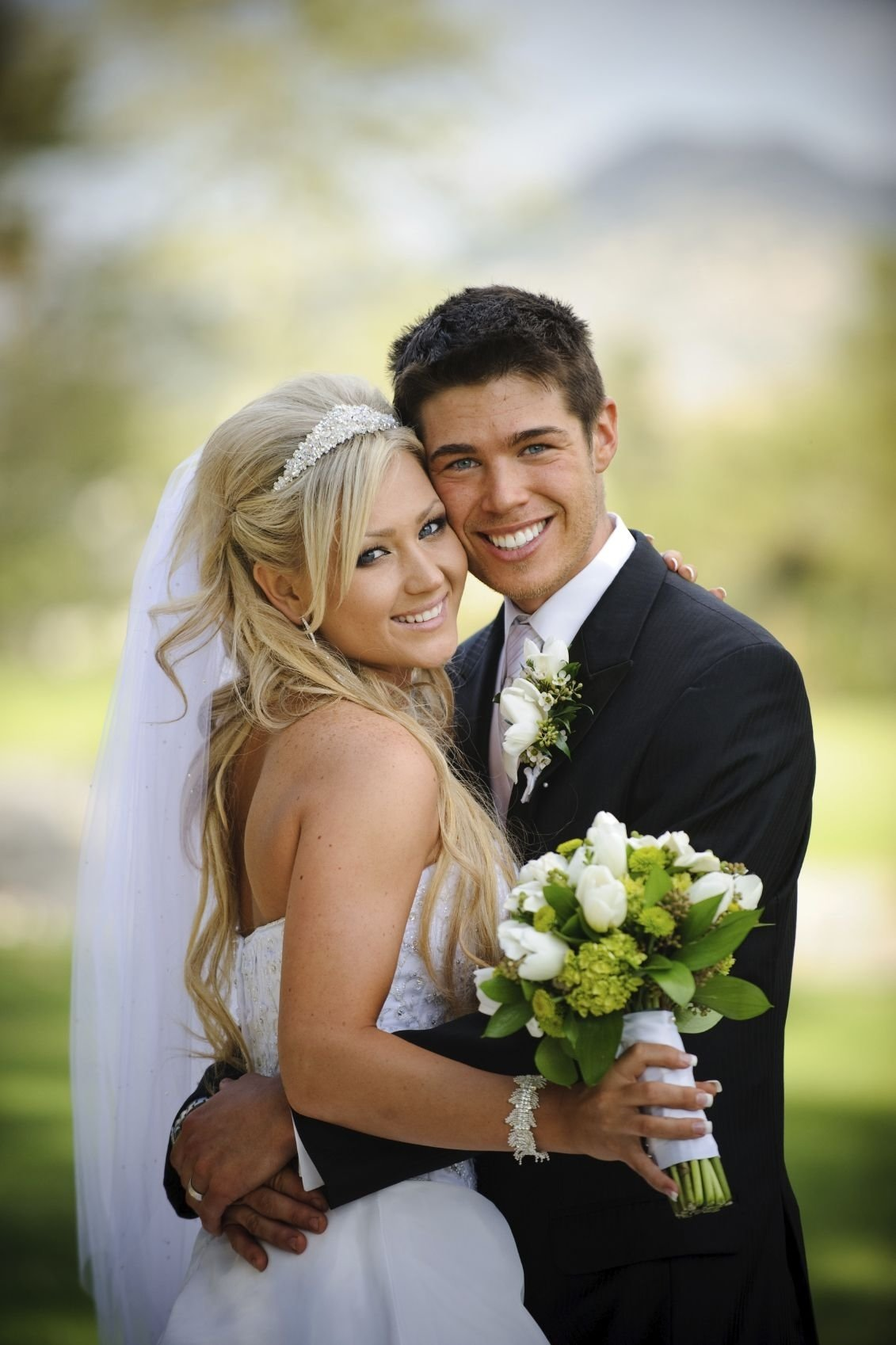 10 Attractive Bride And Groom Photo Ideas creative wedding photo ideas bride and groom wedding package 1 2020