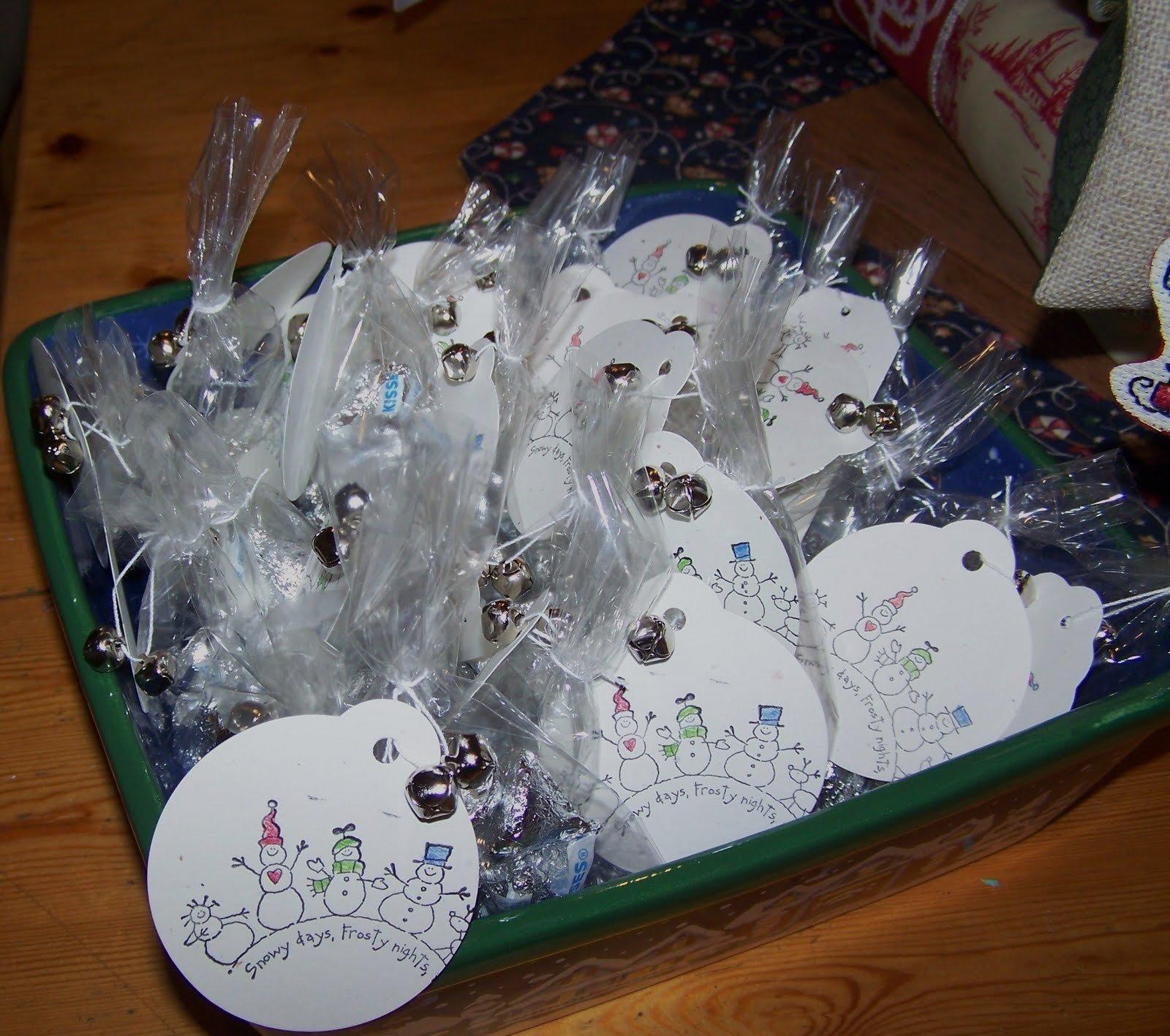 Inexpensive christmas gift bag ideas