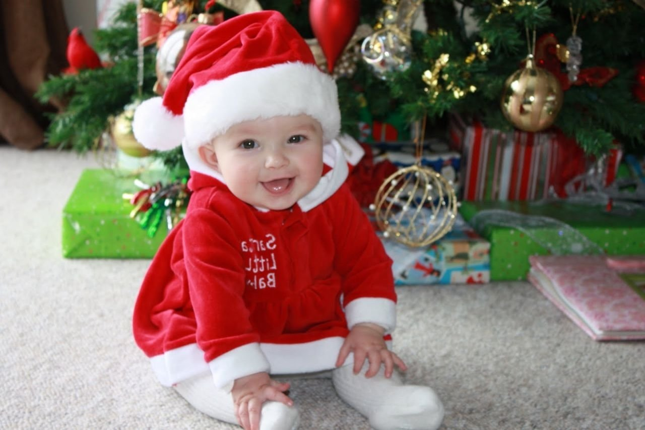 10 Gorgeous Christmas Picture Ideas For Babies cute at home baby christmas photo ideas compilation photo and 2020