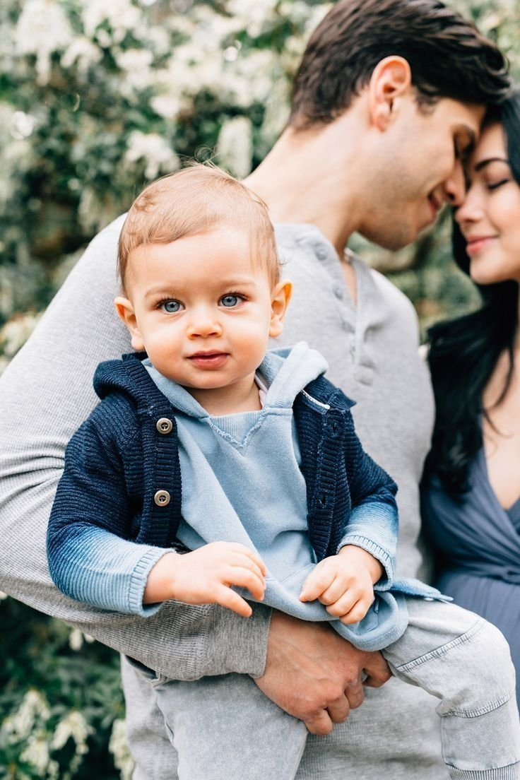10 Best Family Photo Ideas With Toddler cute family photos in central park nyc stephanie sunderland