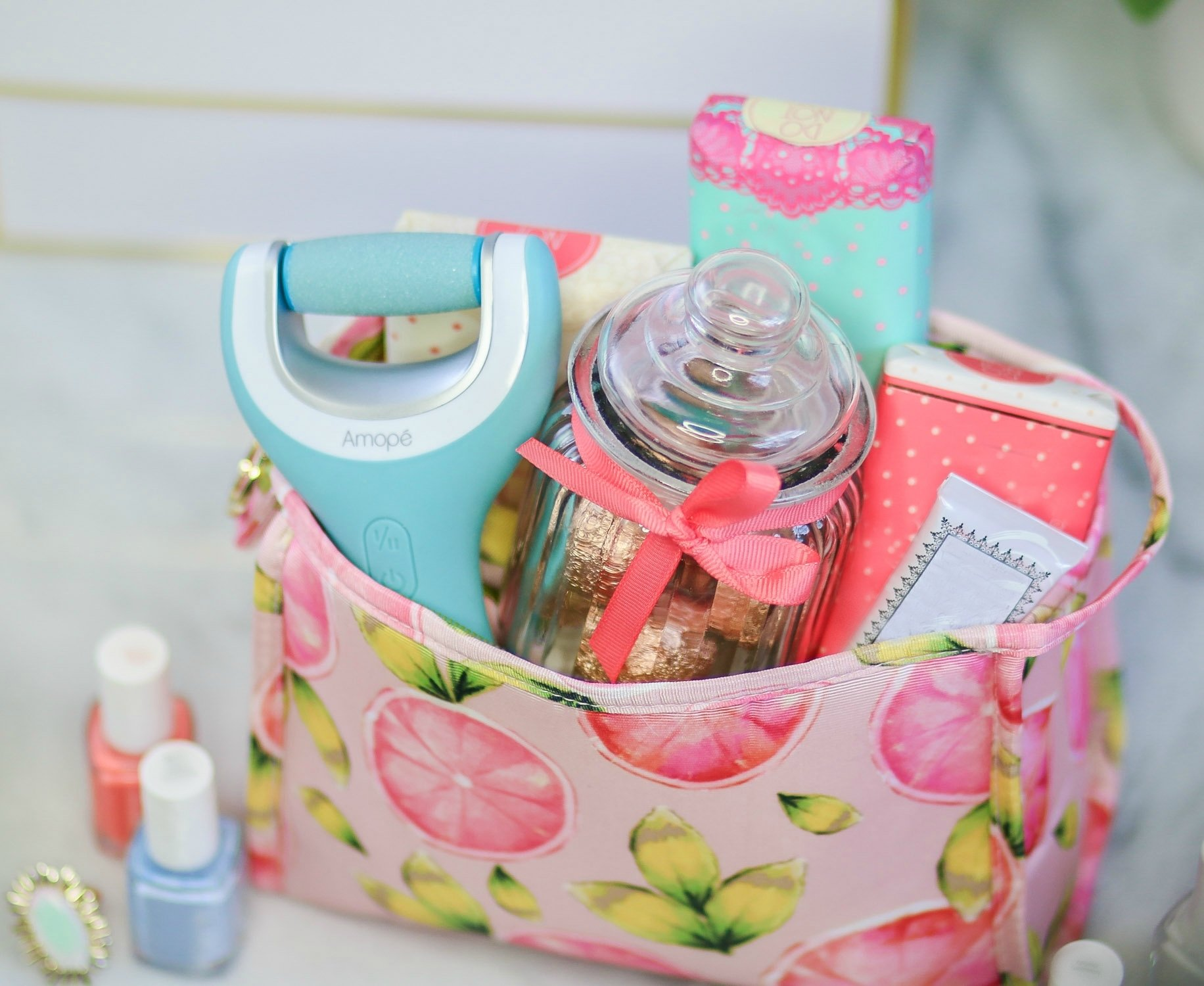 10 Most Recommended Cute Gift Ideas For Friends cute gift ideas for your friends ashley brooke nicholas 2021