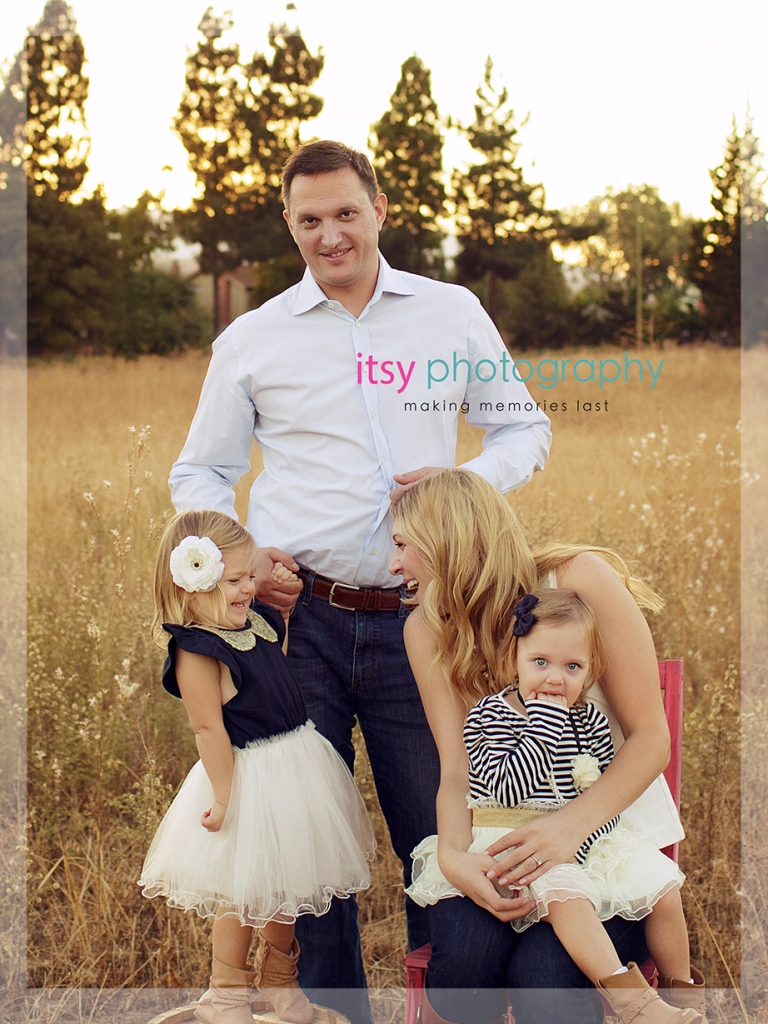 10 Awesome Family Of Four Photo Ideas cute idea for family of four poses 1 2021