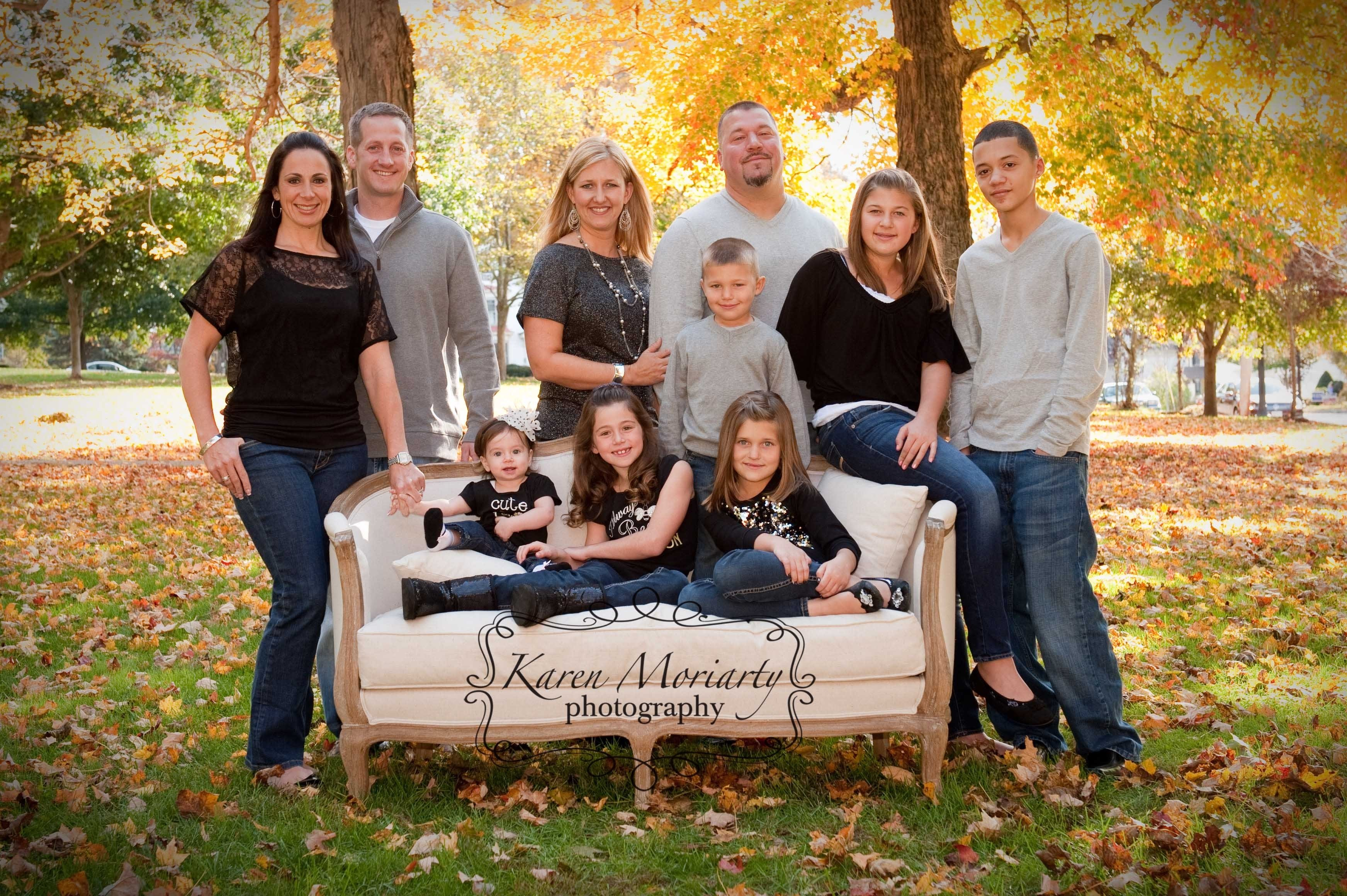 10 Perfect Cute Ideas For Family Pictures cute outdoor family photo ideas outdoor designs 2021