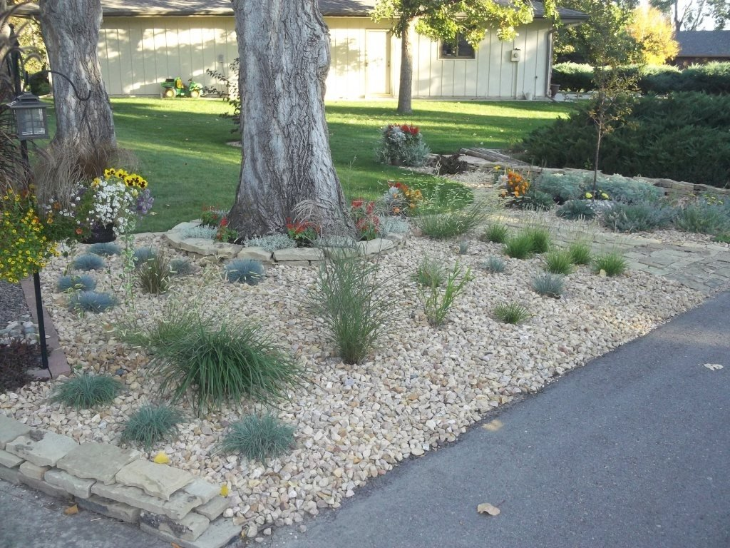 10 Perfect Rock Landscaping Ideas For Front Yard davids front yard rock garden in colorado day 1 of 2 in davids 2020