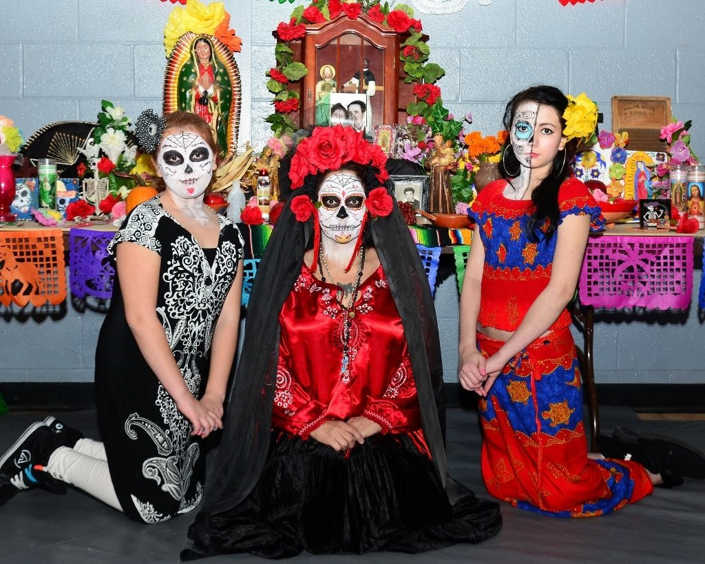 10 Wonderful Dia De Los Muertos Costumes Ideas day of the dead costumes for dia de los muertos celebrations 2