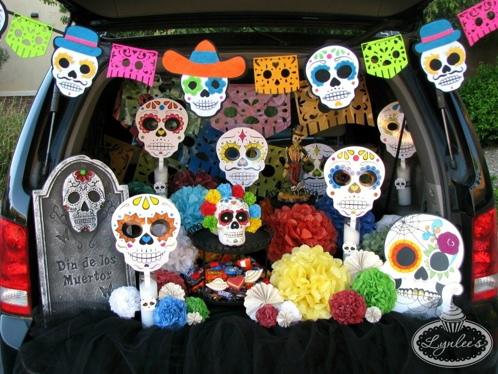 10 Gorgeous Day Of The Dead Ideas day of the dead trunk or treat ideas lynlees 7 2021