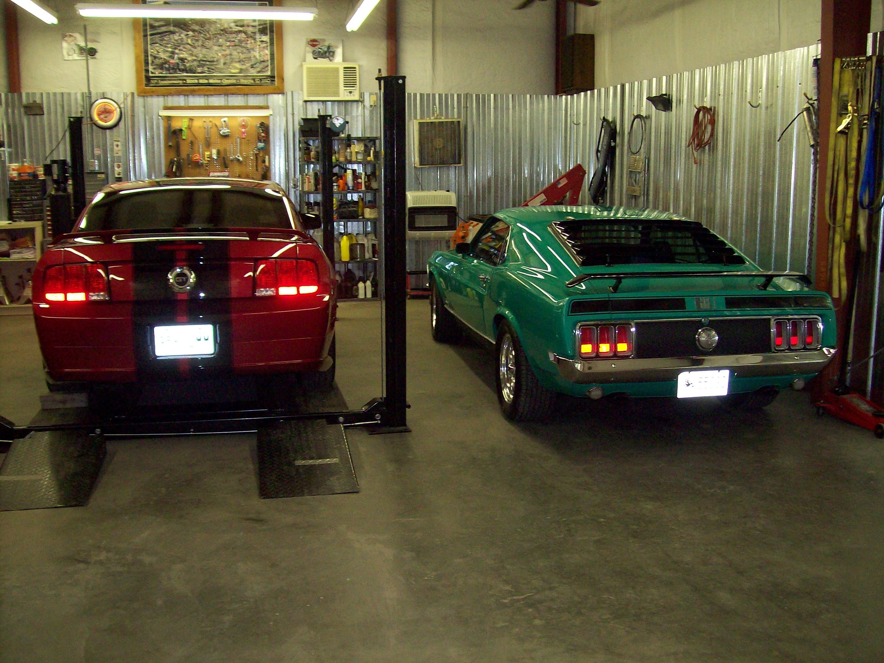 10 Most Recommended Garage Remodeling Ideas Man Cave decor tips amazing garage design with mancave and polished