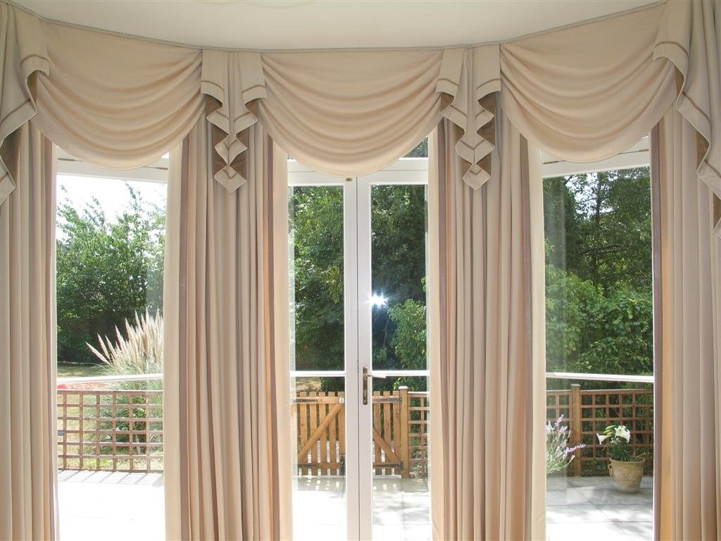 10 Stylish Valance Ideas For Large Windows decorate your home in style with beautiful and elegance curtains for 2020