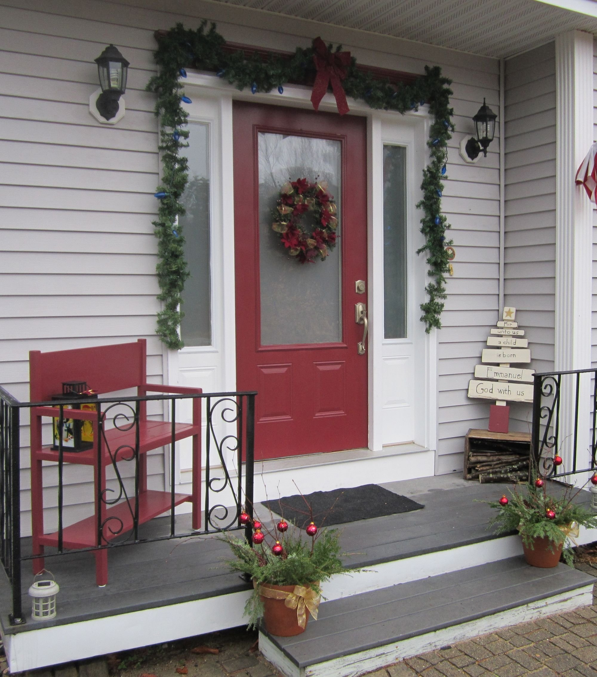 10 Nice Front Porch Christmas Decorating Ideas decorated porches for christmas christmas porch decorating cheap 2020