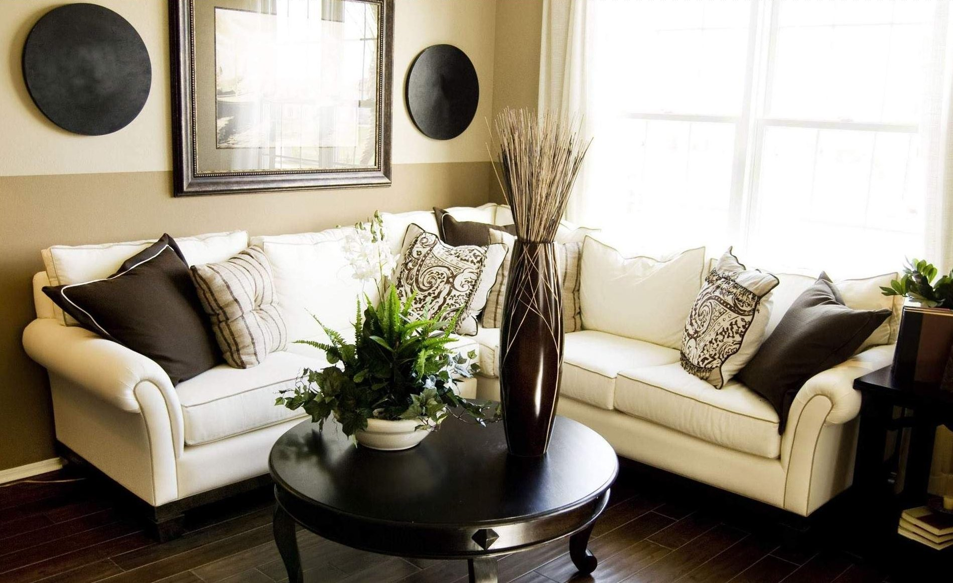 10 Attractive Decorating Ideas For Small Living Room decorating a small living room ideas 1000823 high definition elegant 2020