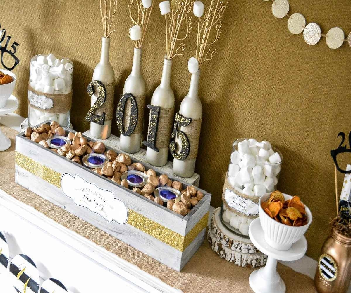 10 Beautiful New Years Eve Decorating Ideas decorating elegant white and brown new years eve party decorations 2 2020
