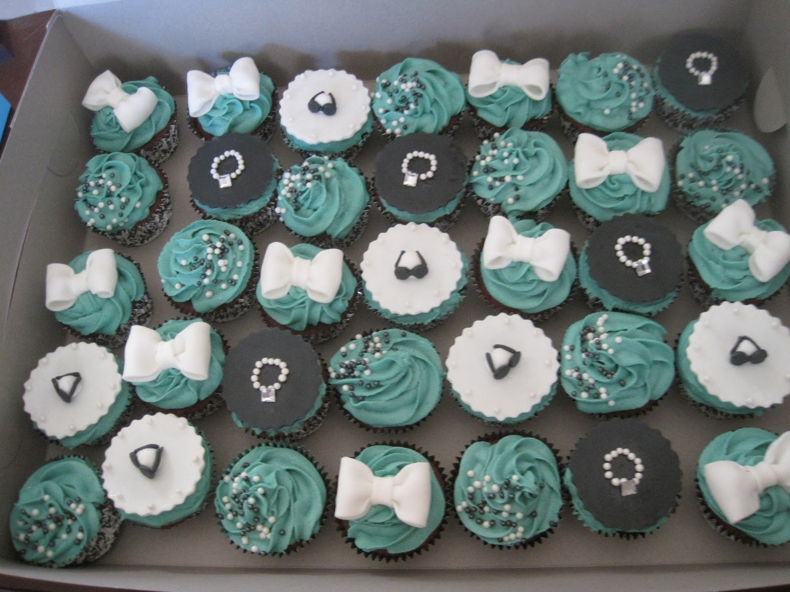 10 Beautiful Cupcake Ideas For Bridal Shower decorating ideas for bridal shower cupcakes unique breakfast at 2020