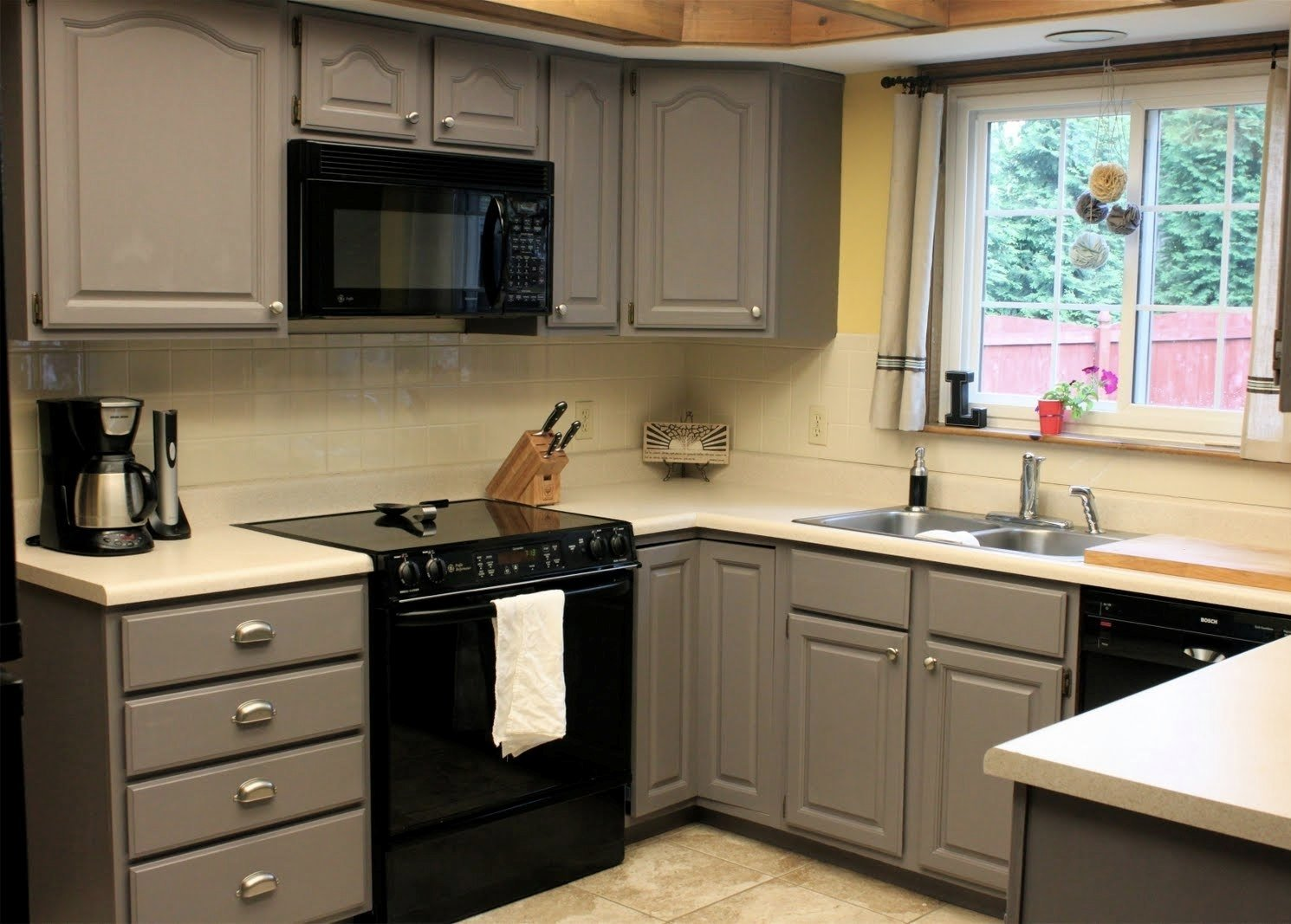 10 Fantastic Ideas For Painting Kitchen Cabinets
