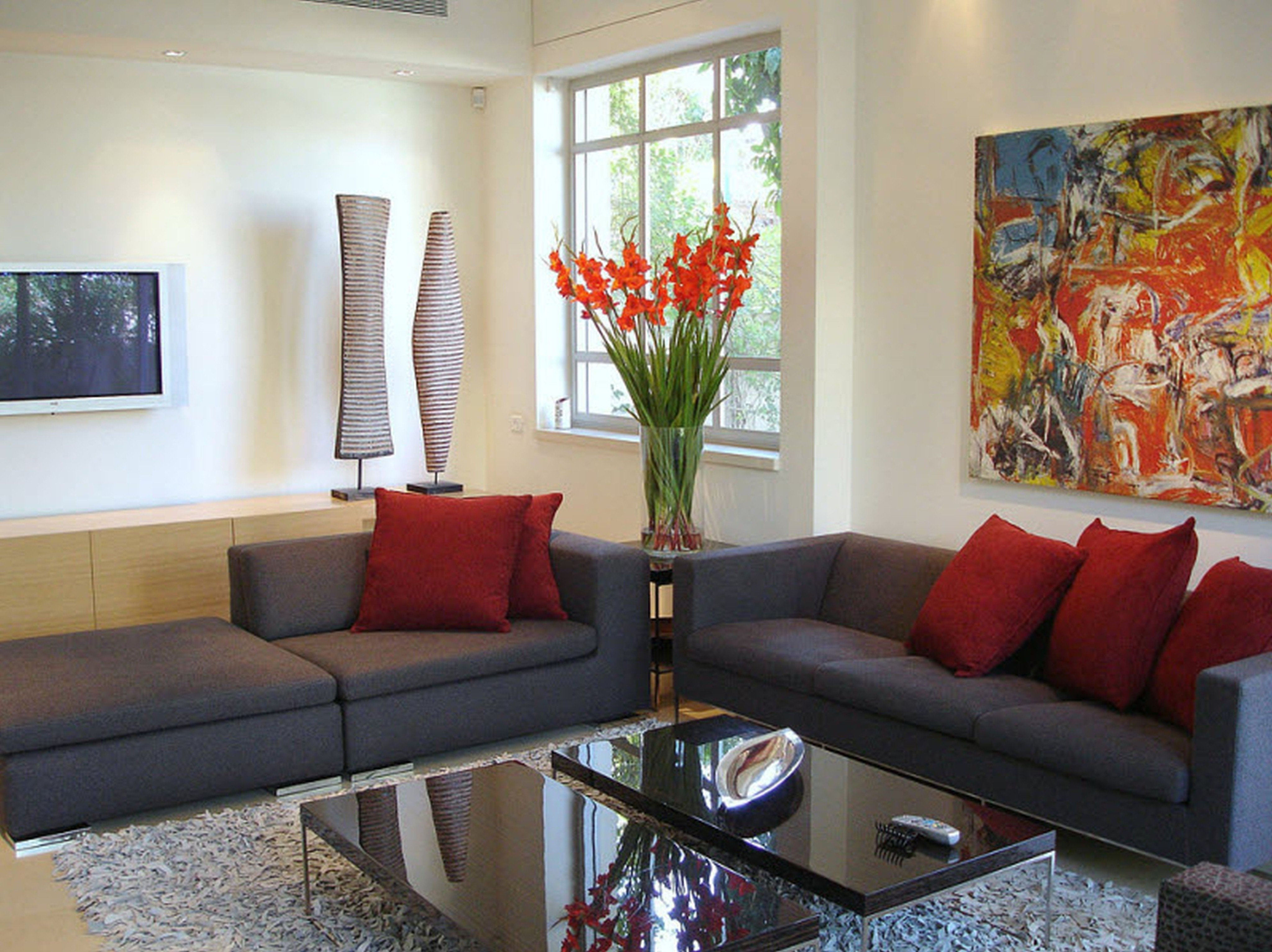 10 Ideal Small Living Room Decorating Ideas On A Budget decorating your design a house with perfect beautifull small living 1 2020