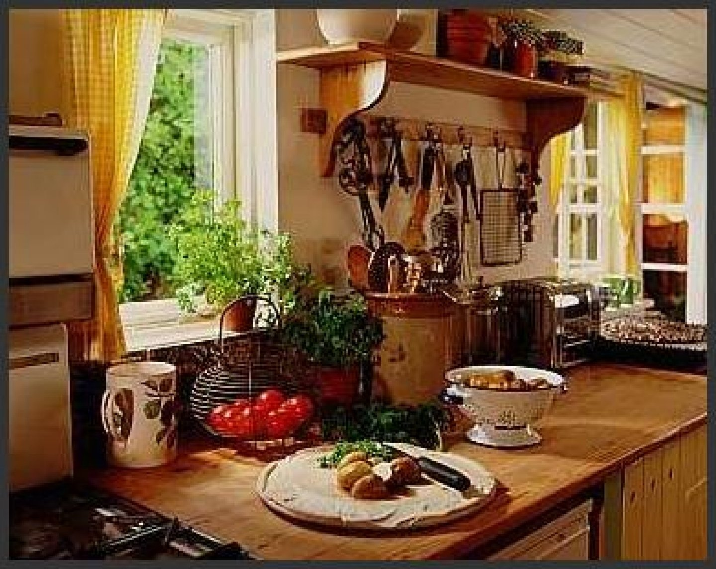 10 Fashionable French Country Kitchen Decorating Ideas decoration french country decor of country dekoration gigz 2020