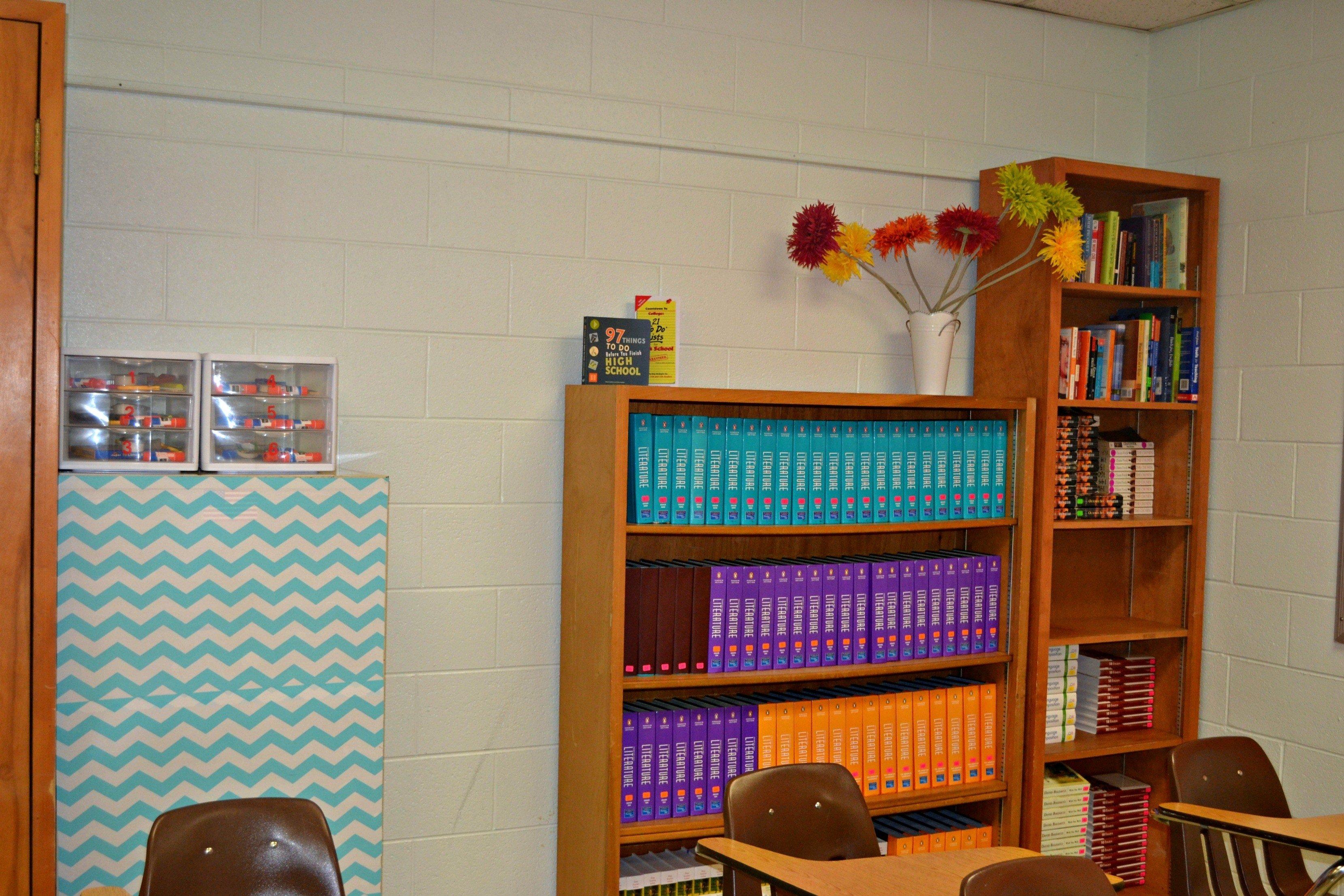 10 Beautiful High School Classroom Decorating Ideas decoration organization for the high school classroom teaching 1 & 10 Beautiful High School Classroom Decorating Ideas