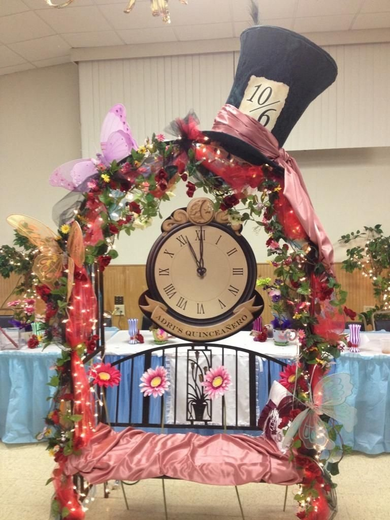 10 Lovable Alice In Wonderland Centerpiece Ideas decorations alice in wonderland table centerpieces 18th