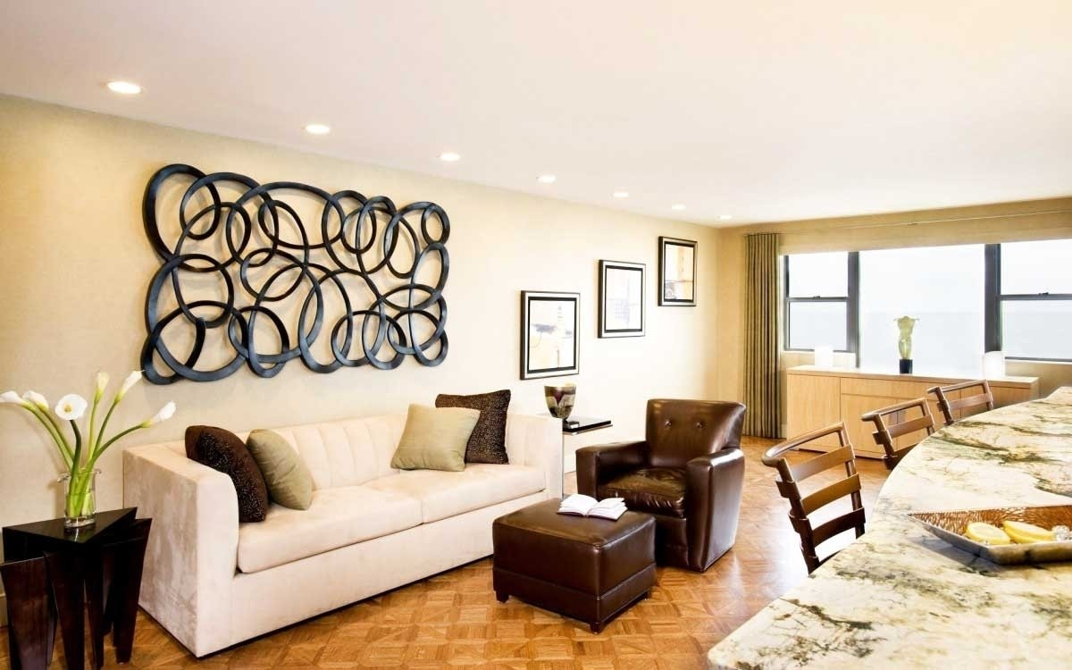 10 Amazing Decorating Ideas For Large Walls decorations for large walls large wall decorating ideas for living 1 2020