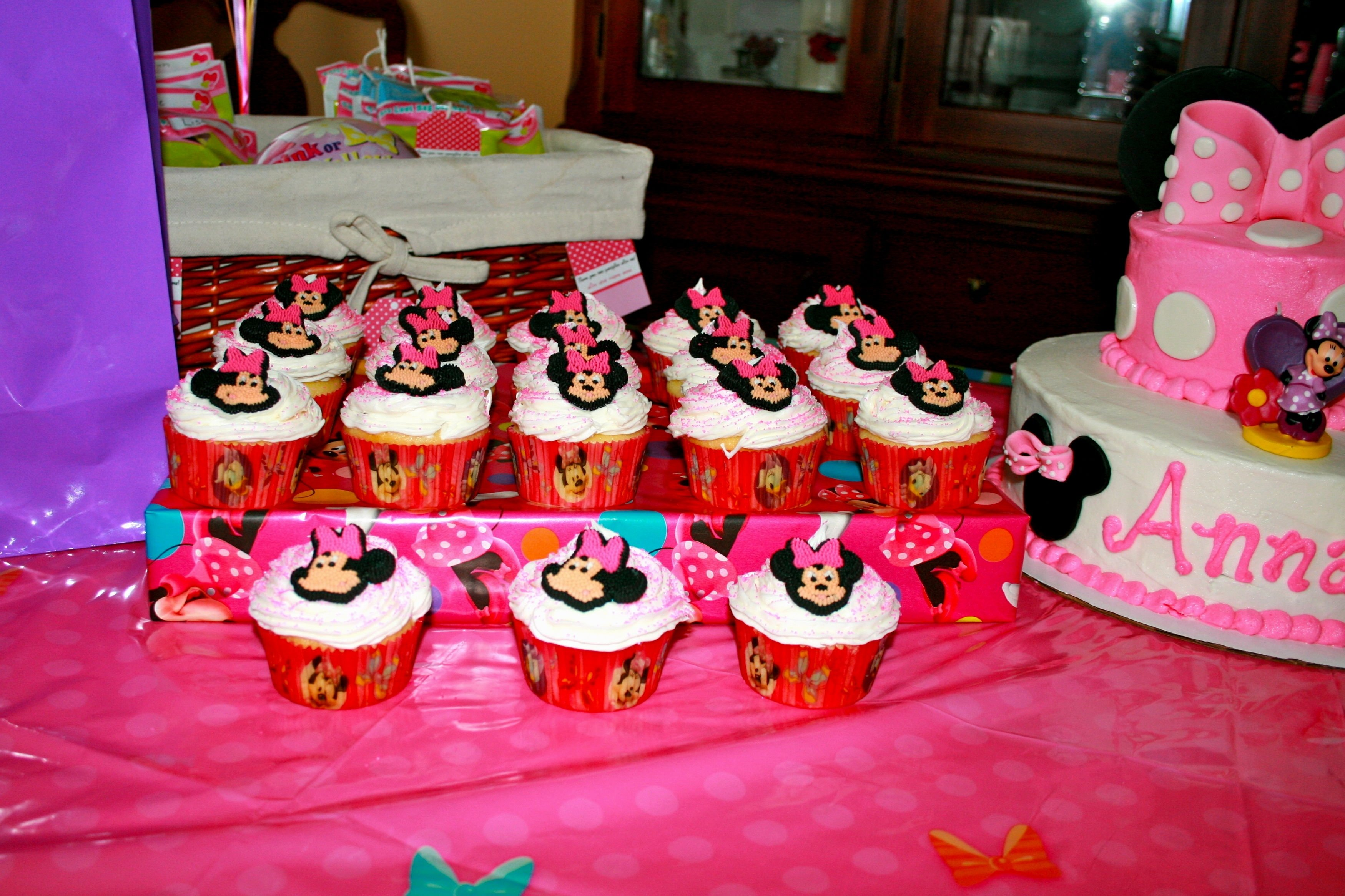 10 Stunning Minnie And Mickey Party Ideas decorations for minnie and mickey mouse party decorating of party 2020