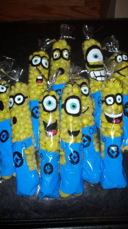 despicable me minion candy party favors. hand painted clear pretzel