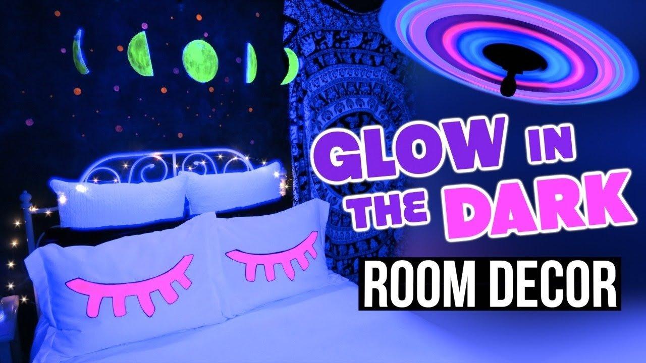 10 Stylish Glow In The Dark Room Ideas diy glow in the dark room decor tumblr inspired youtube 2020