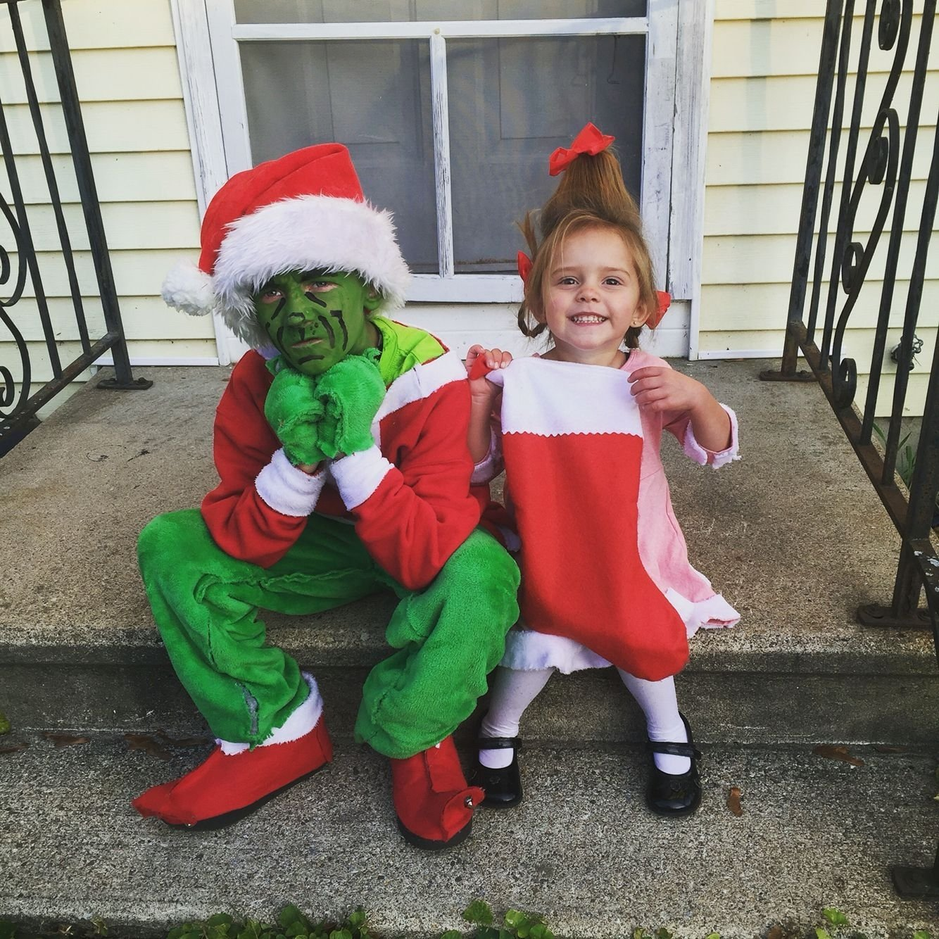 10 Stylish Cindy Lou Who Costume Ideas diy grinch and cindy lou who halloween costumes even a stocking as