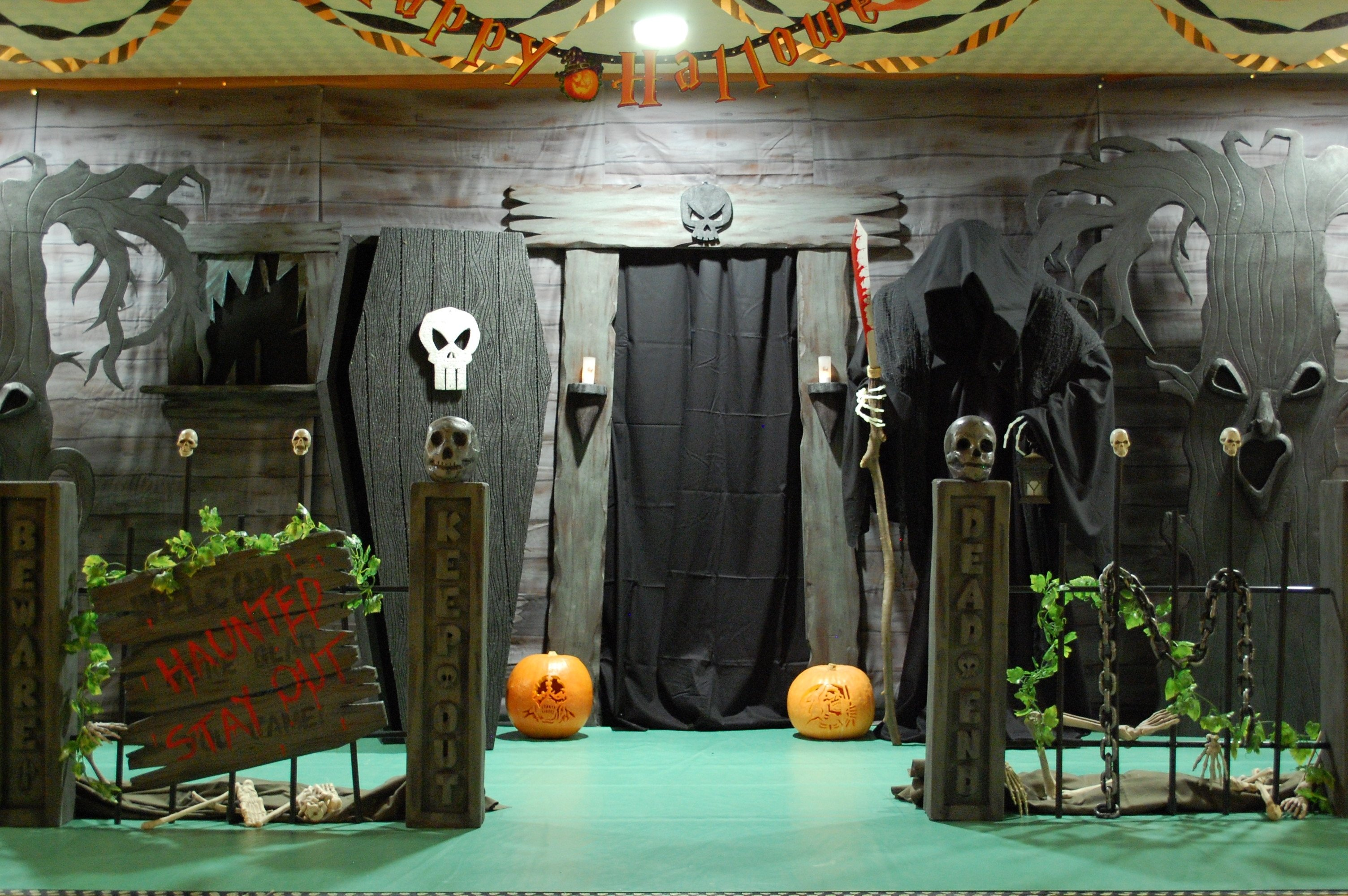 10 Attractive Haunted House Ideas For Kids diy halloween houses e2 80 94 crafthubs haunted house ideas e280 2021