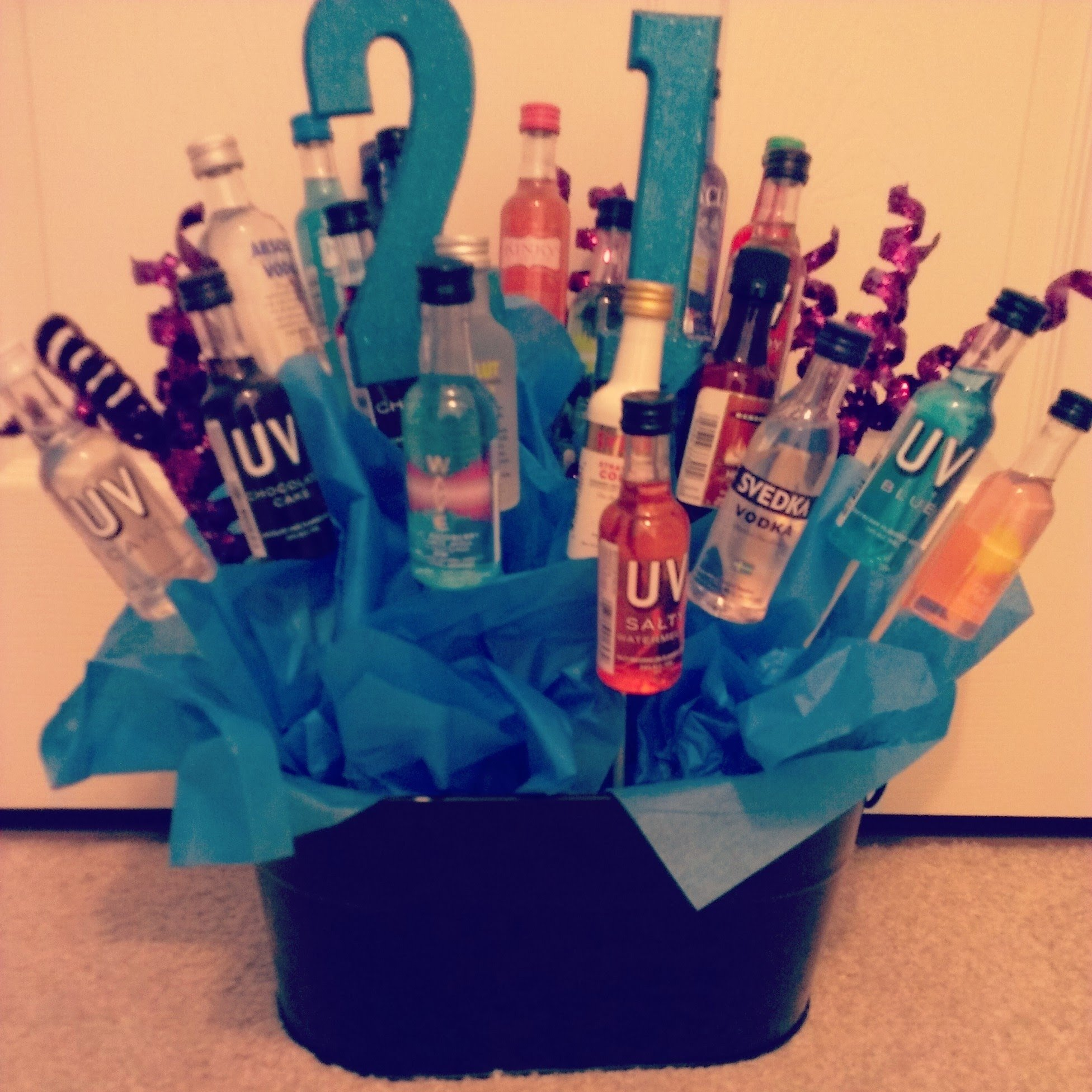 10 Pretty 21St Birthday Gift Basket Ideas Diy How To Make A 21st Bouquet Youtube