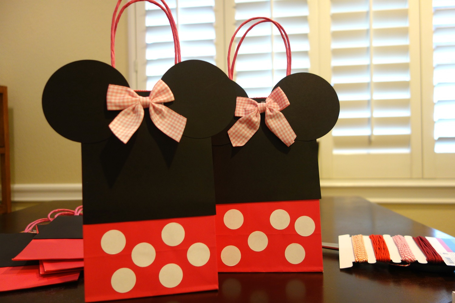 10 Pretty Minnie Mouse Candy Bag Ideas diy mickey minnie mouse goody bags the kim chronicles 5 2020