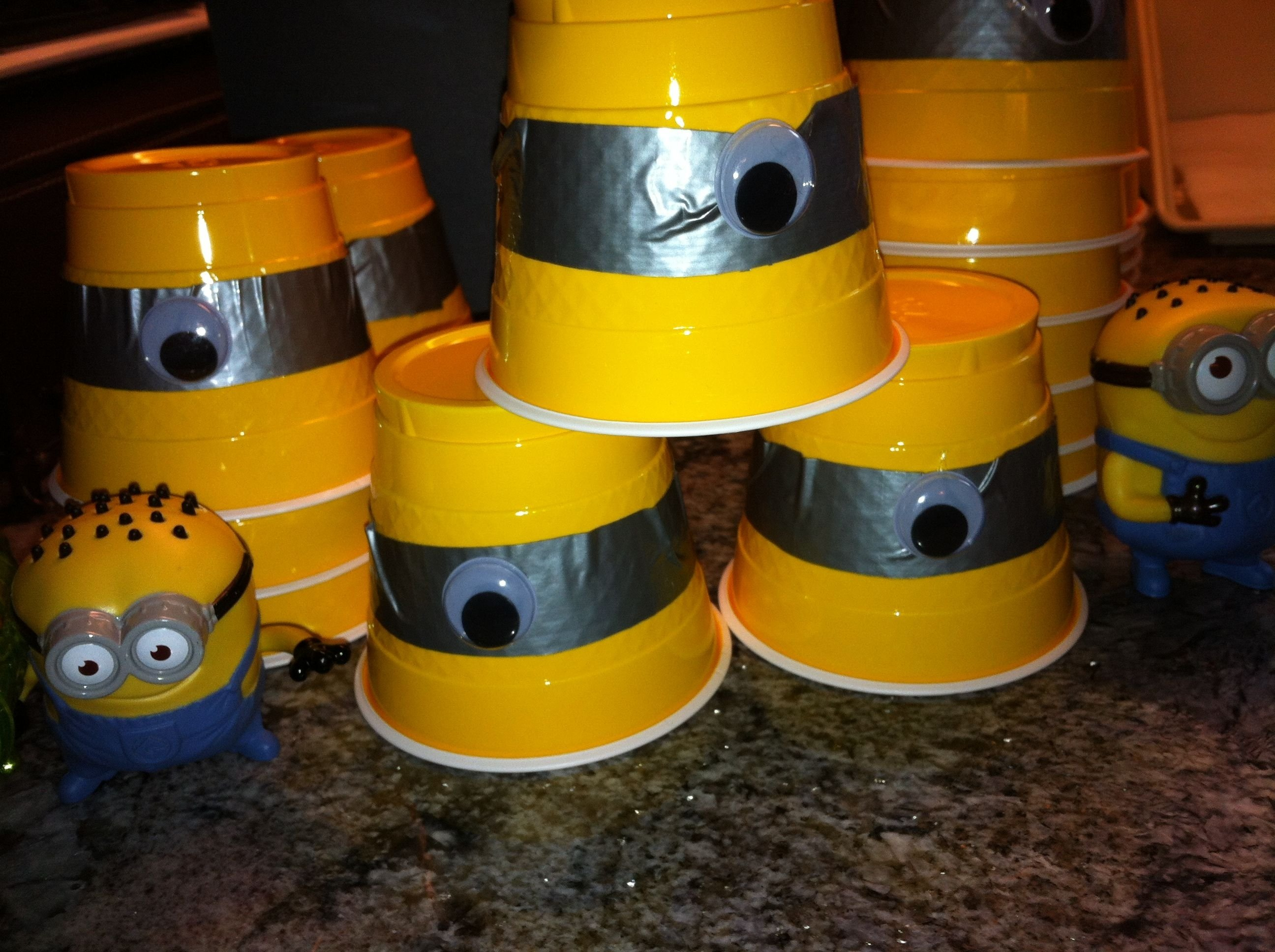 diy minion party ideas | despicable me party decorations | gavin