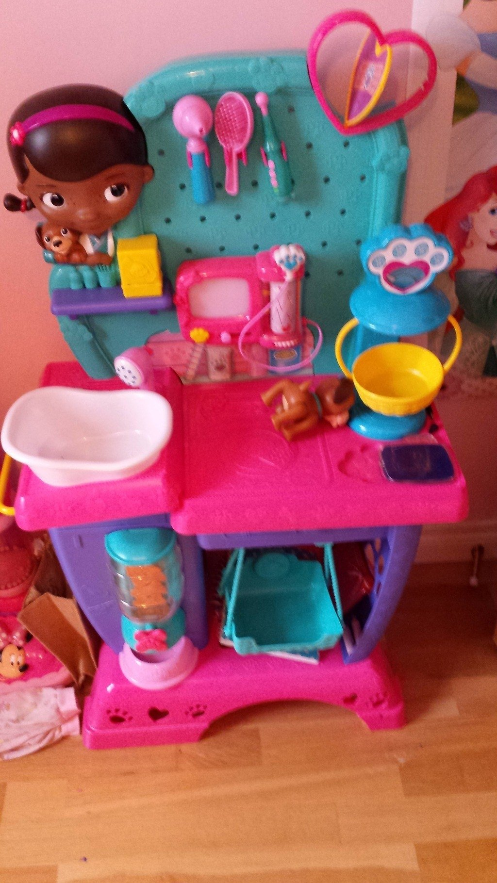 10 Lovely Gift Ideas For 6 Year Old Girl doc mcstuffins mobile vet clinic is one of best toys for 6 year old 2021