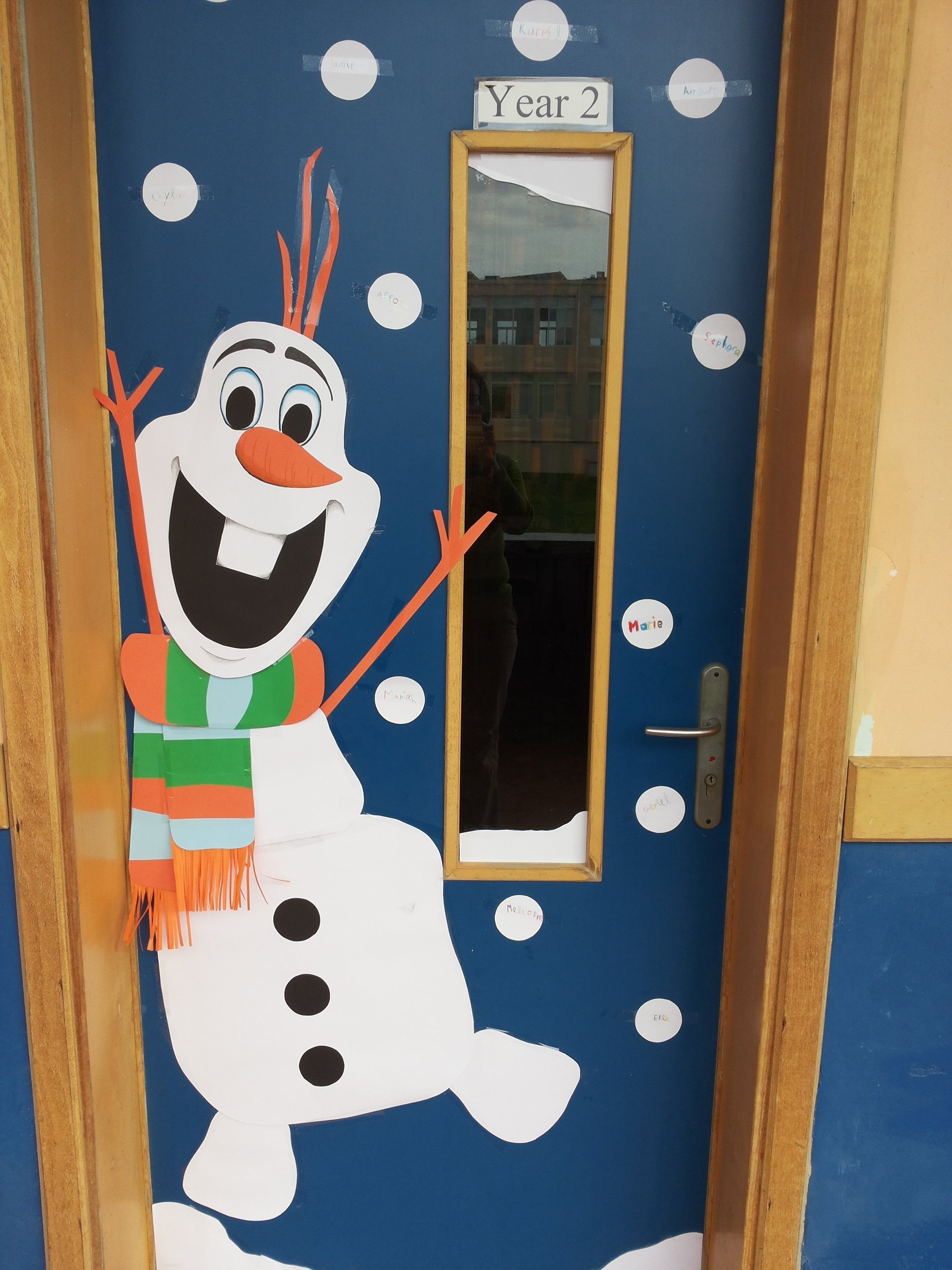 10 amazing funny christmas door decorating contest ideas door decorations for fall excellent christmas classroom door