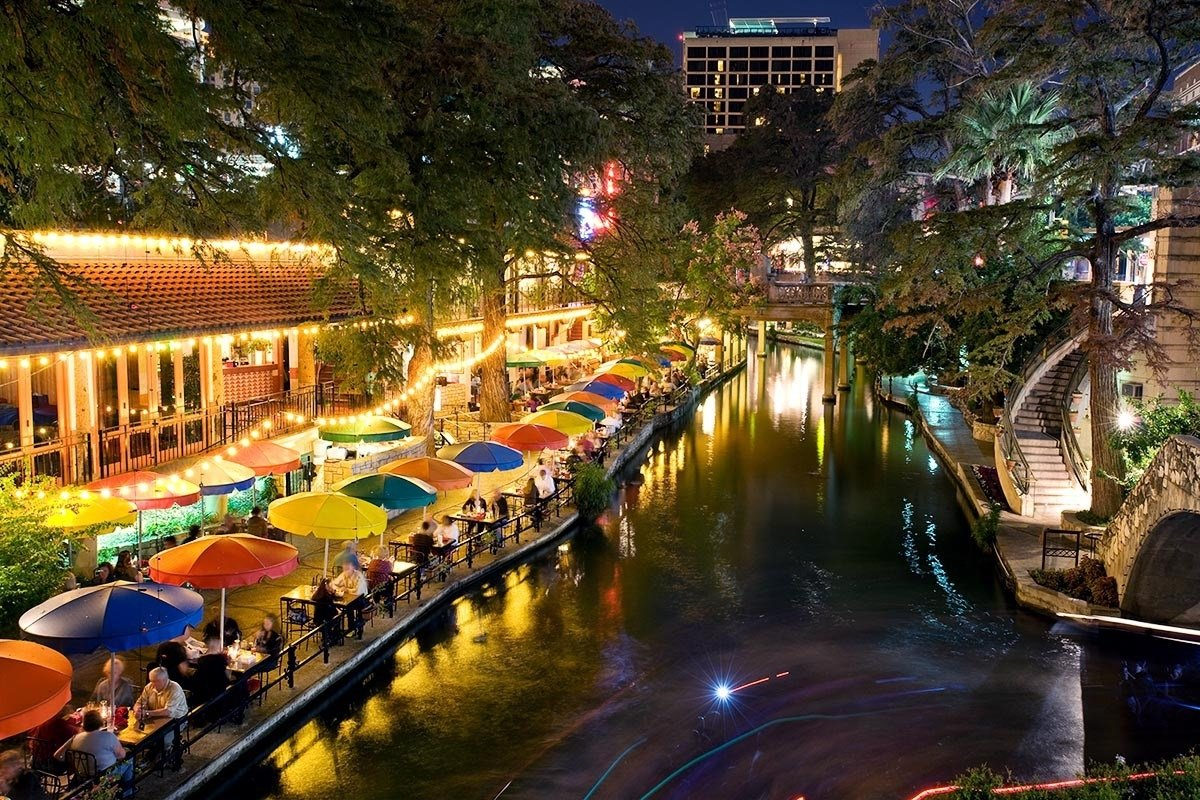 downtown date night ideas | shops at rivercenter
