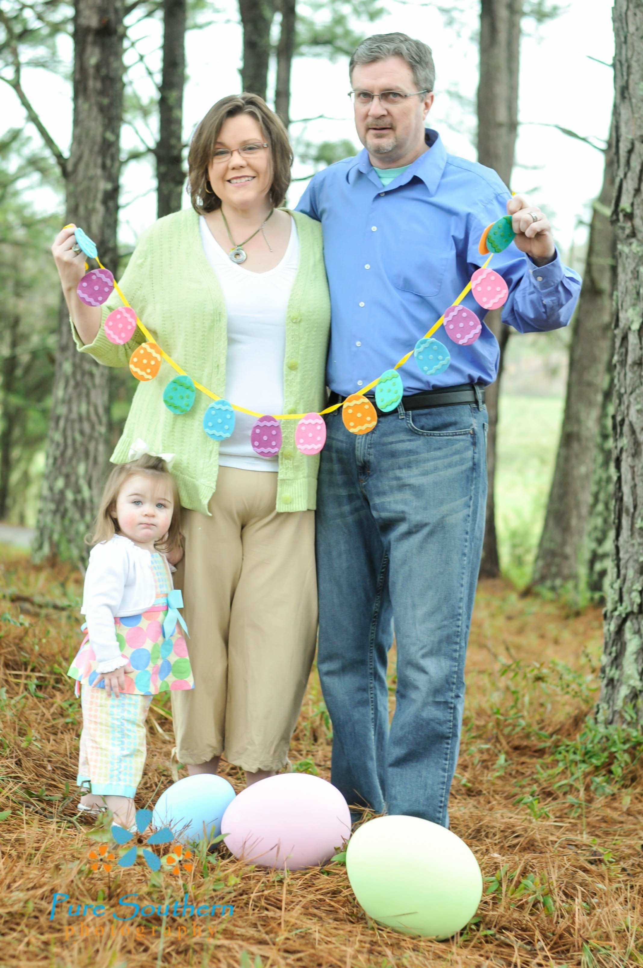 10 Best Family Photo Ideas With Toddler easter photo shoot easter photography ideas spring photo family