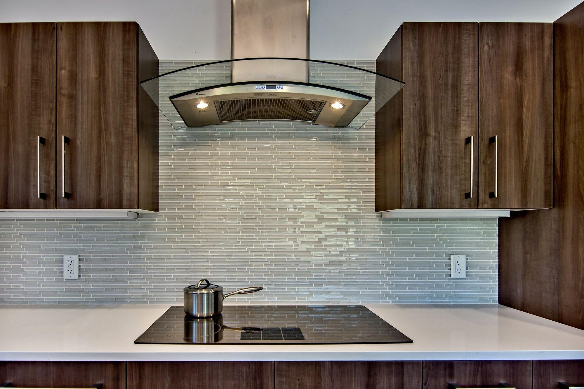 10 Stunning Backsplash Ideas For Kitchens Inexpensive easy backsplash kitchen at home railing stairs and kitchen design 2021