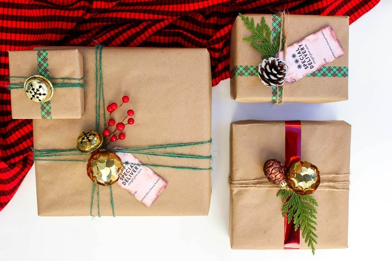 10 Unique Gift Wrapping Ideas For Christmas easy dollar store christmas gift wrap ideas free gift tags