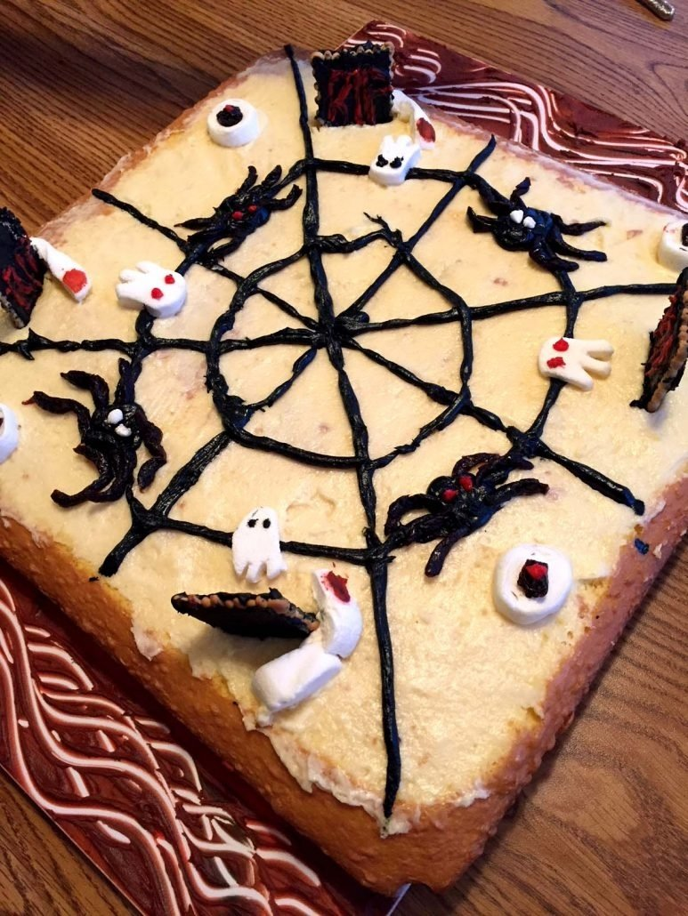 10 Beautiful Easy Halloween Cake Decorating Ideas easy halloween cake decorating ideas for spooky cake design 2020