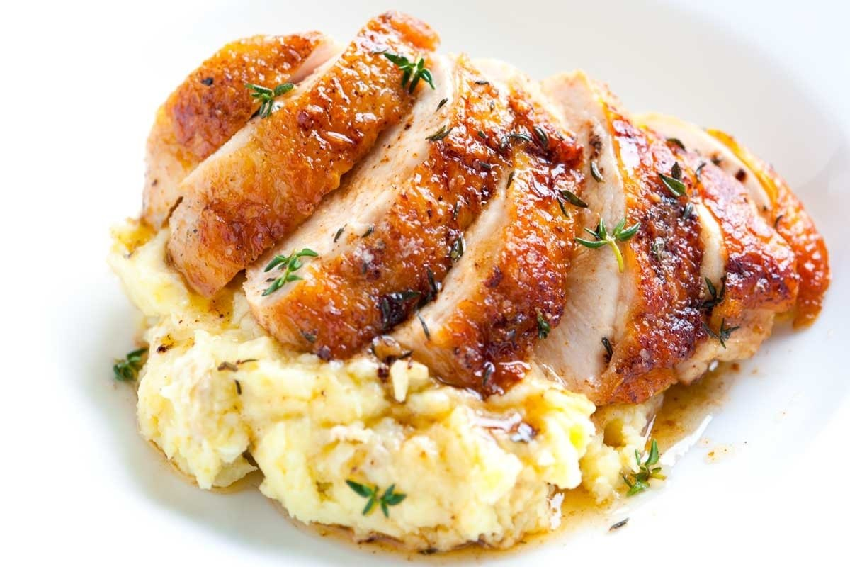 10 Fashionable Dinner Ideas With Mashed Potatoes easy pan roasted chicken breasts with thyme 2 2021
