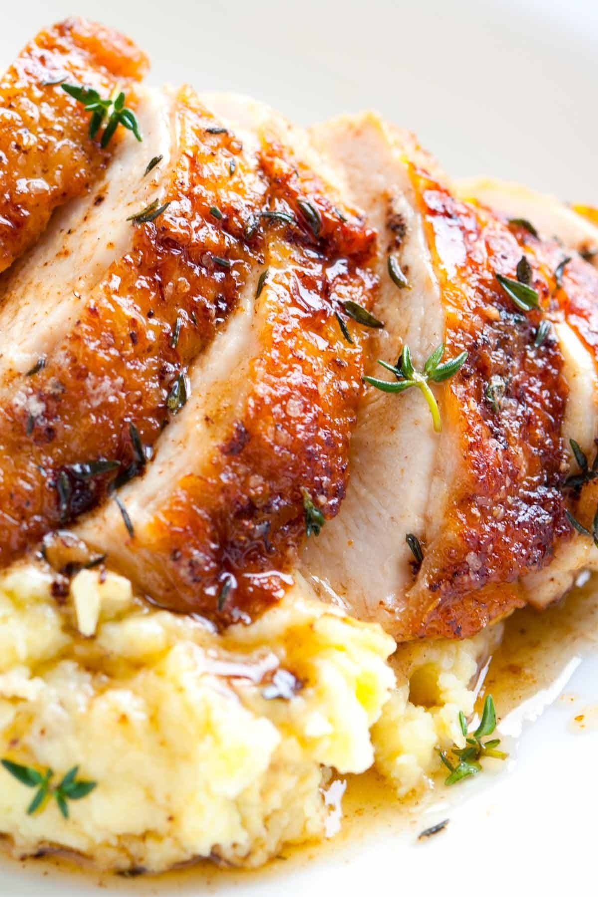 easy pan roasted chicken breasts with thyme