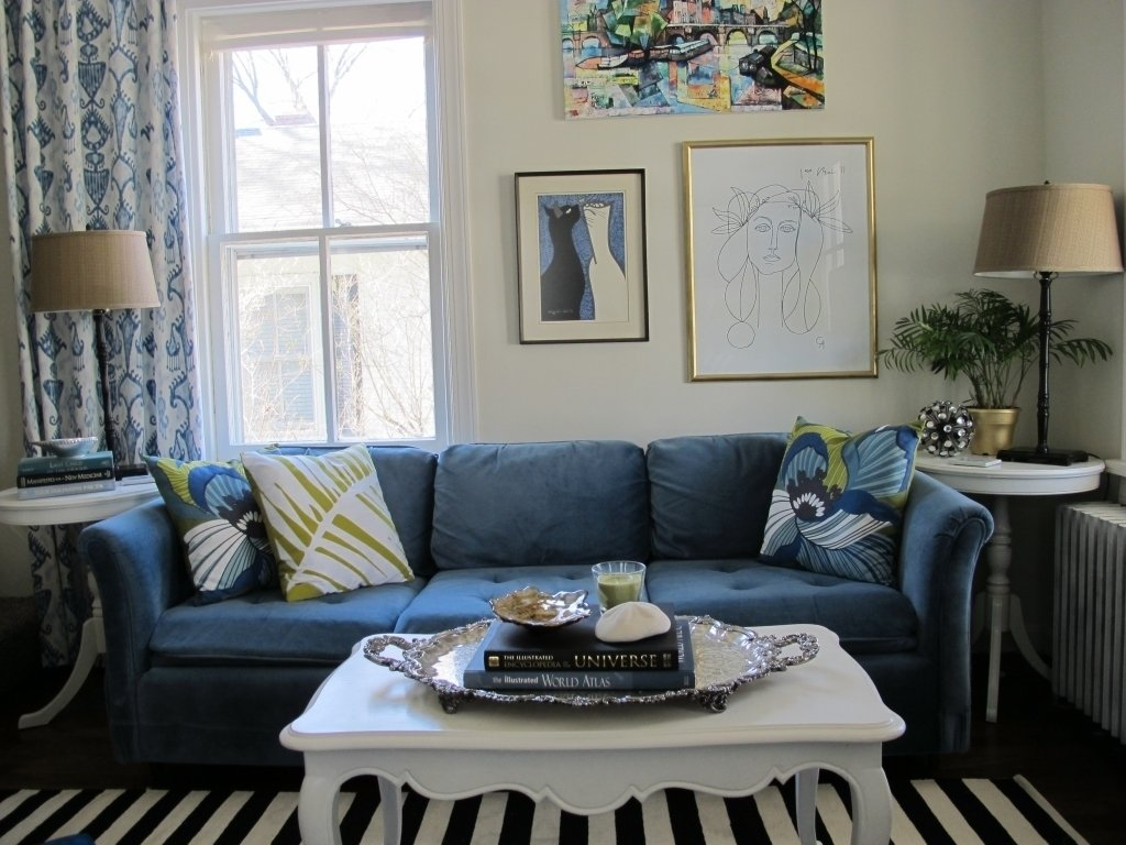 10 Stunning Blue And White Living Room Ideas elegant blue and white living room fancy black white striped carpet 2021