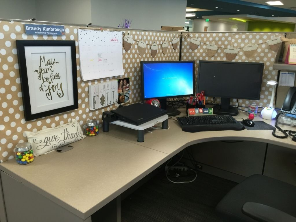 10 Unique Desk Decorating Ideas For Work elegant office desk decor 13060 decorating a cubicle at work design 2020