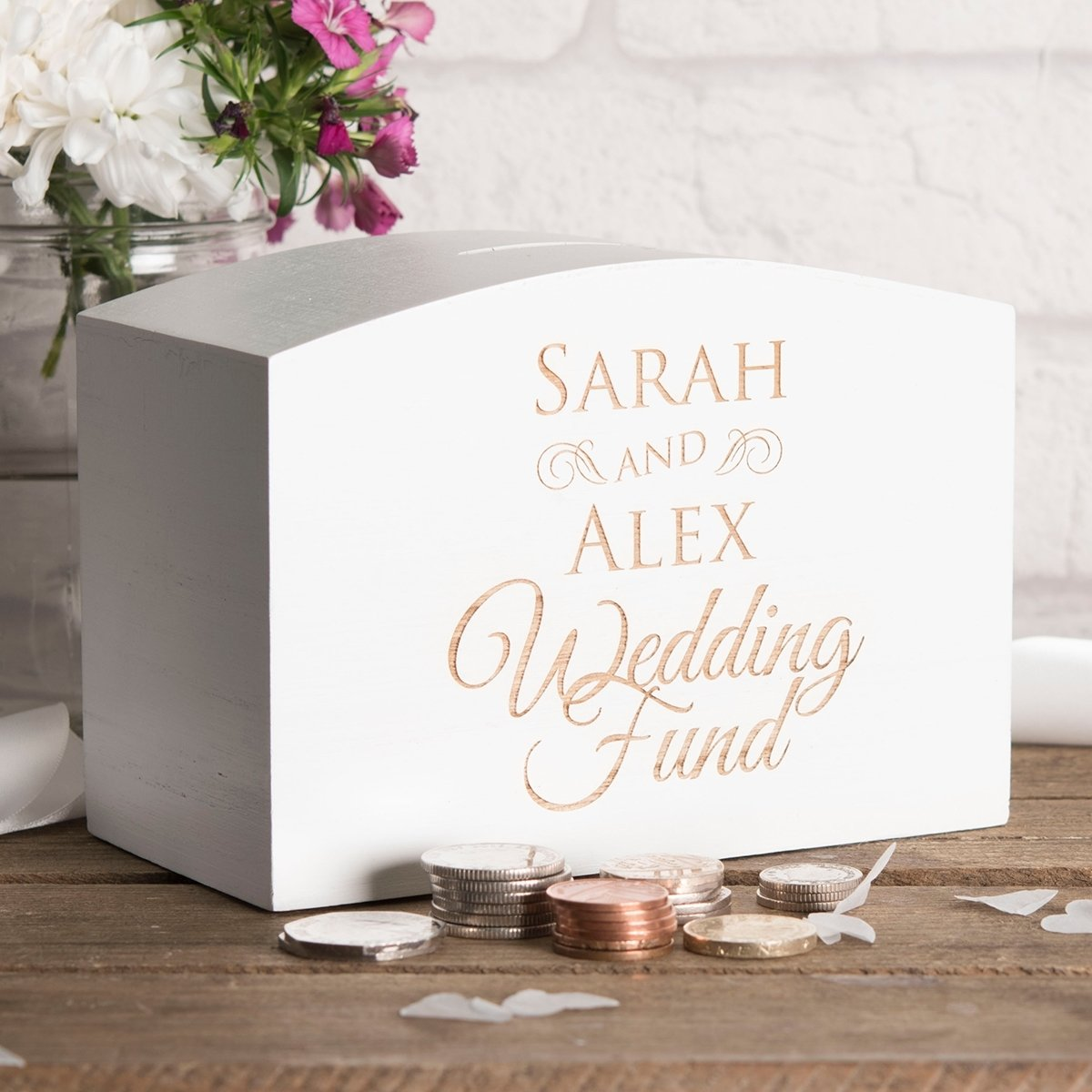 10 Stylish Engagement Gift Ideas For Couples engagement gifts present ideas gettingpersonal co uk 4 2020