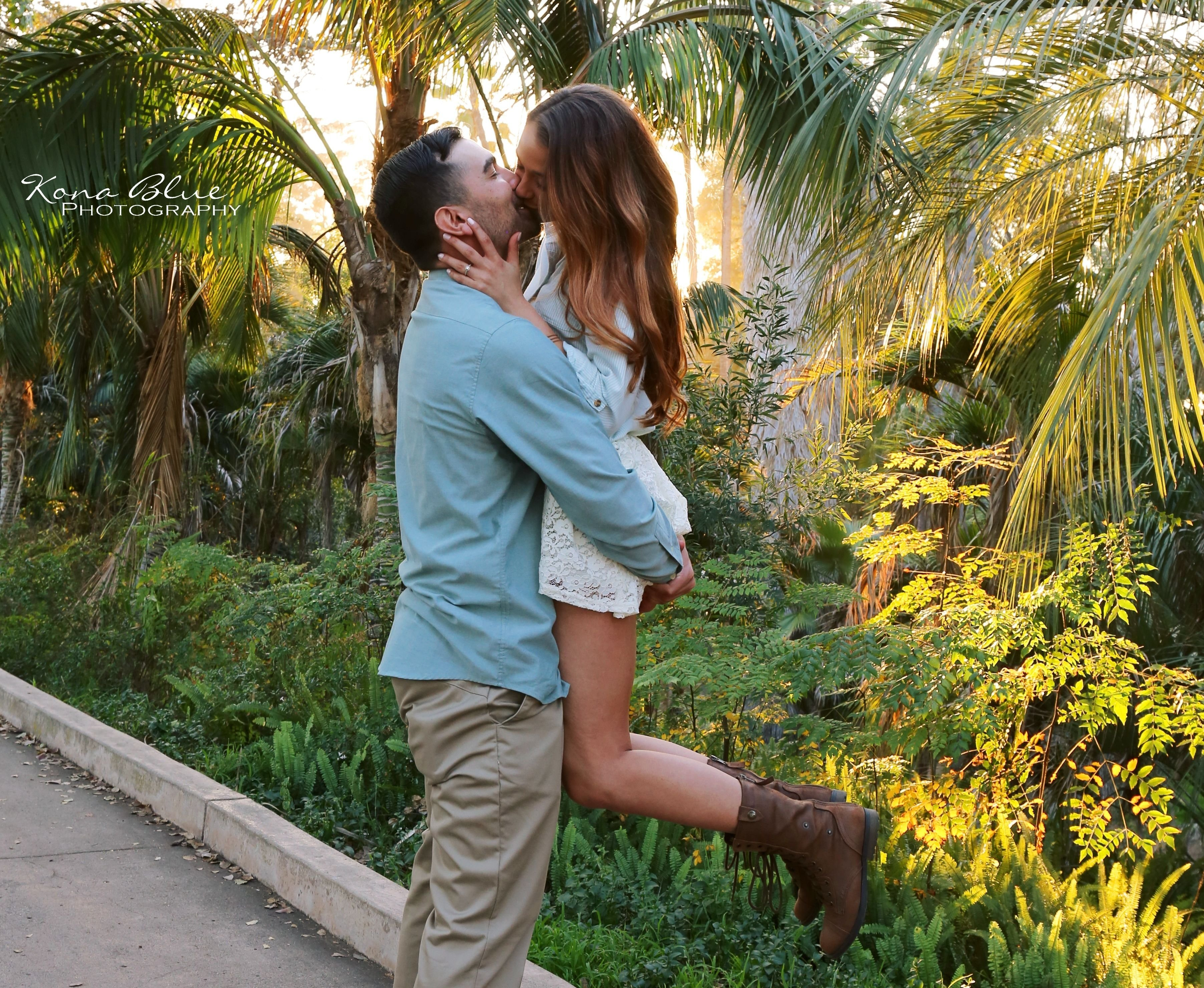 10 Elegant Romantic Date Ideas San Diego engagement save the date photography ideas in balboa park san diego 2 2020