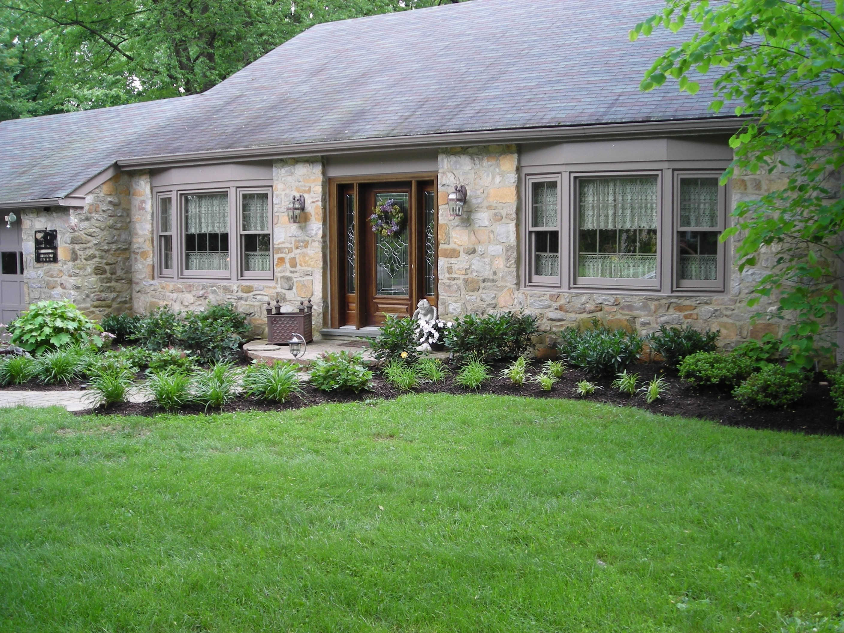 10 Spectacular Front Yard Landscaping Ideas For Small Homes extraordinary front yard landscaping ideas for small homes images 2021