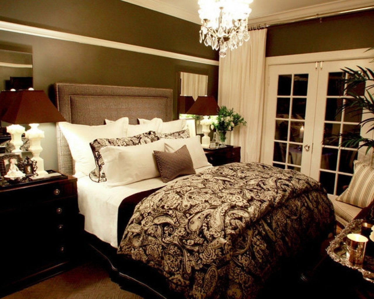 10 Most Recommended Bedroom Decorating Ideas For Couples fabulous bedroom decorating ideas for couples with chandeliers 2020