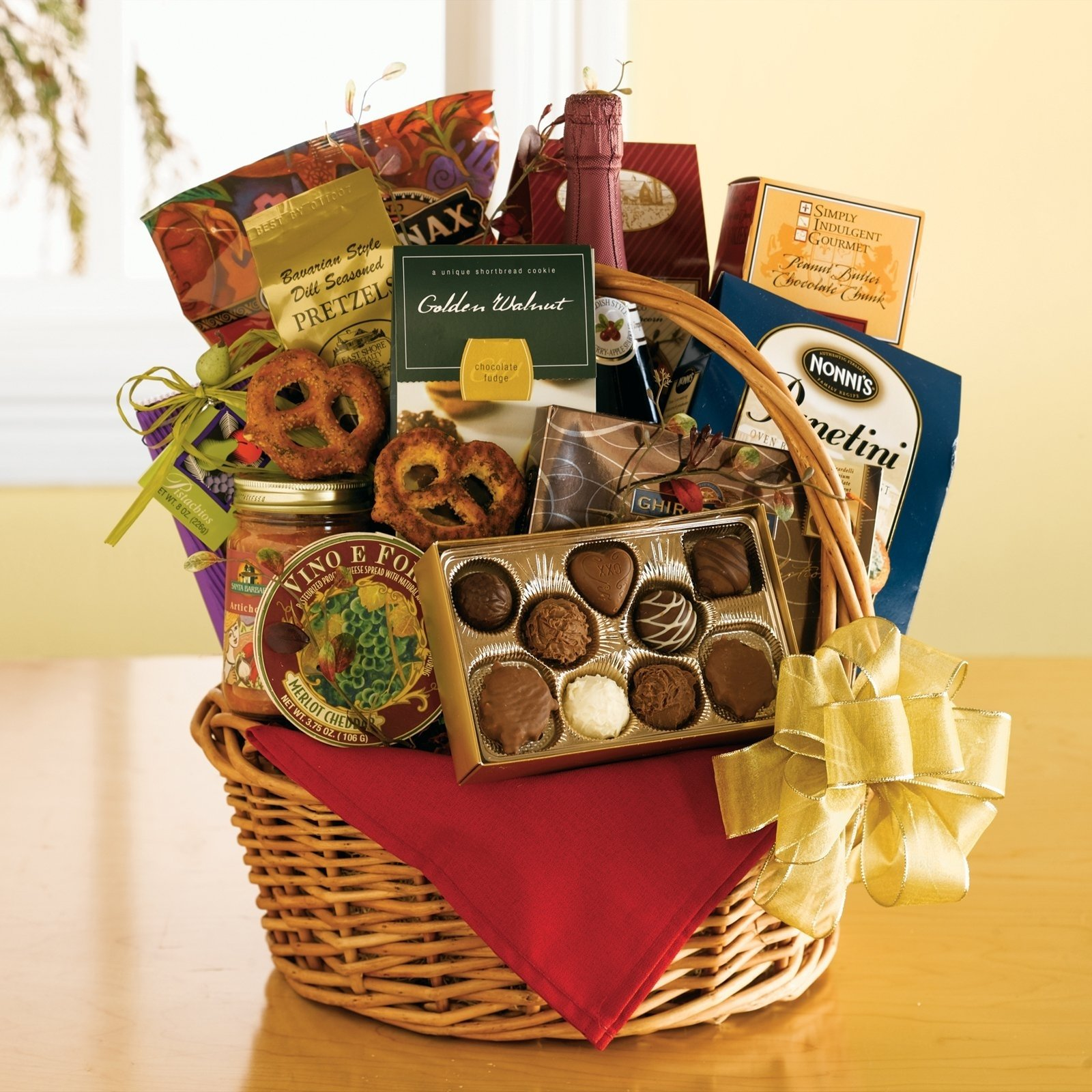 10 Trendy Gift Basket Ideas For Couples fabulous gift basket ty food gifts at your fingertips gift basket ty 2020